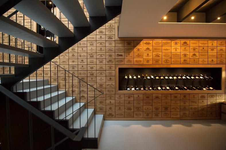 Wine shop 13