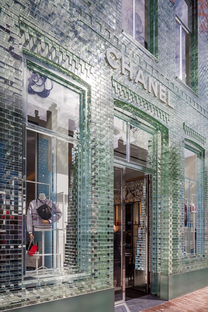 MVRDV-crystal-houses-amsterdam-chanel-flagship-store-glass-facade-designboom-03