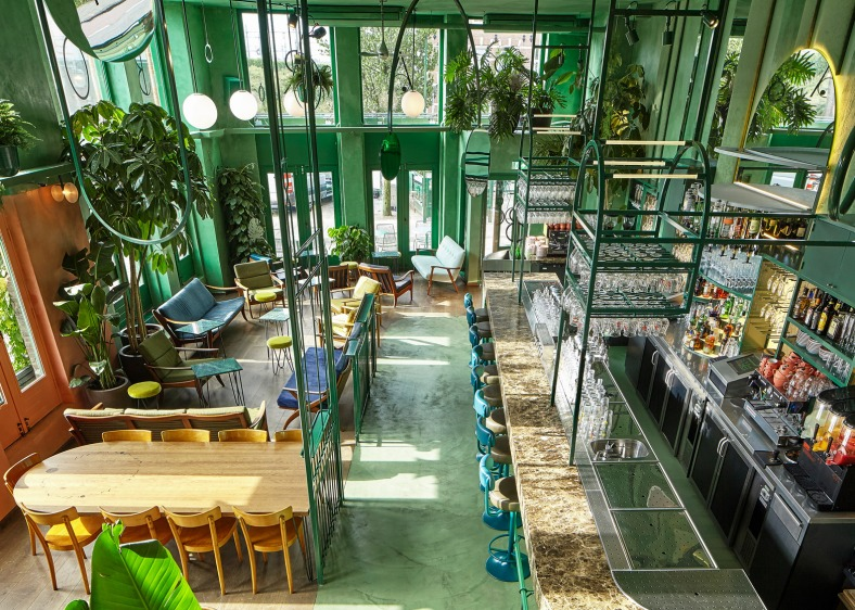 bar-botanique-studio-modijefsky-amsterdam-dutch-netherlands-green-forest-rainforest-tropical-foliage-_dezeen_1568_0
