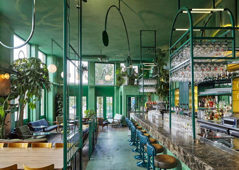 bar-botanique-studio-modijefsky-amsterdam-dutch-netherlands-green-forest-rainforest-tropical-foliage-_dezeen_1568_14