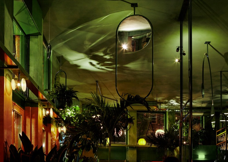 bar-botanique-studio-modijefsky-amsterdam-dutch-netherlands-green-forest-rainforest-tropical-foliage-_dezeen_1568_23