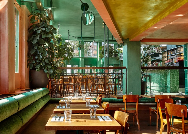 bar-botanique-studio-modijefsky-amsterdam-dutch-netherlands-green-forest-rainforest-tropical-foliage-_dezeen_1568_4