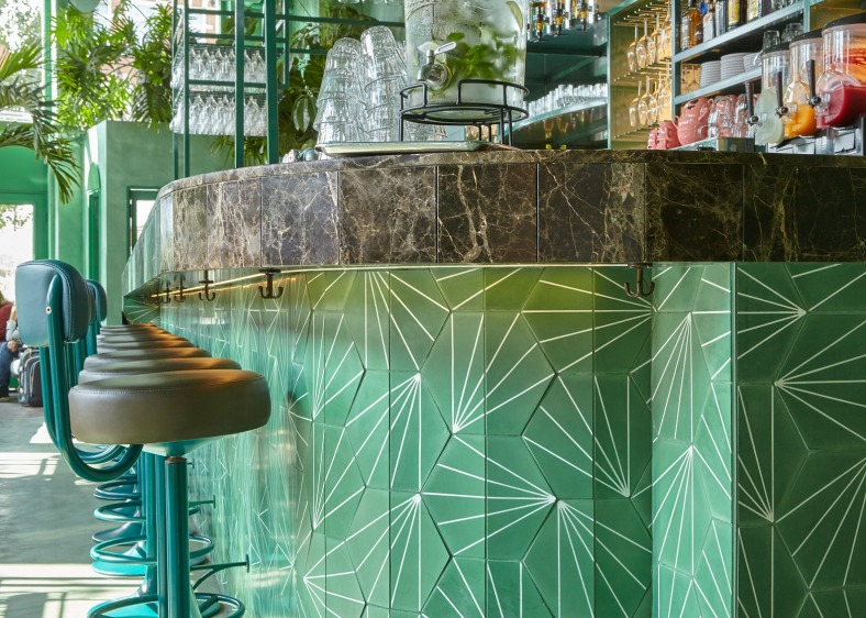 bar-botanique-studio-modijefsky-amsterdam-dutch-netherlands-green-forest-rainforest-tropical-foliage-_dezeen_1568_6